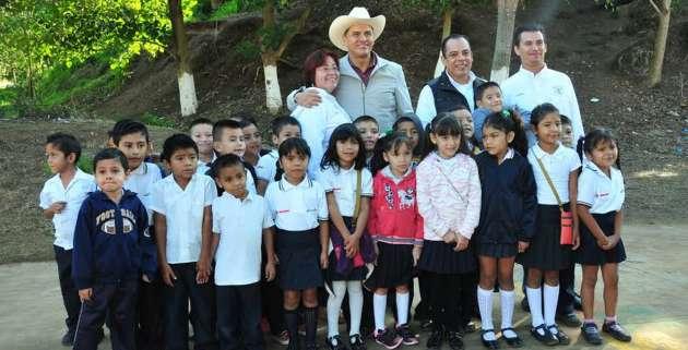 La educación no es un gasto, es una inversión: Roberto Sandoval