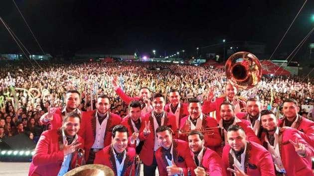 El Recodo reúne 40 mil almas en La Feria de Nayarit