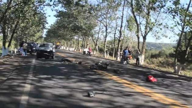 Motociclista se mata al chocar de frente contra camioneta cerca de Tepic
